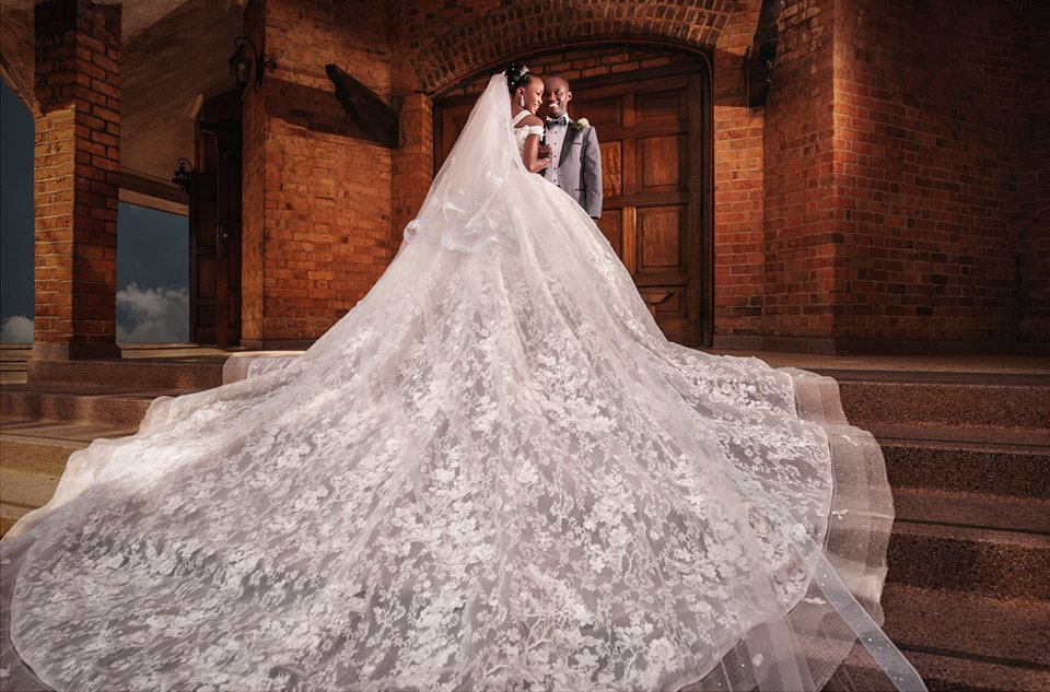 Choosing The Perfect Honeymoon: Choosing The Perfect Wedding Gown